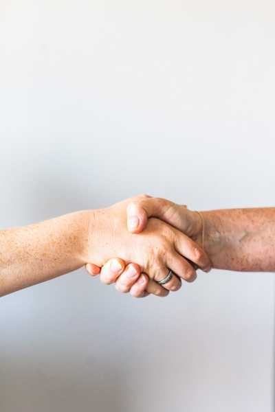 Renewing a Tenancy Agreement vs a Rolling Contract Property Loop